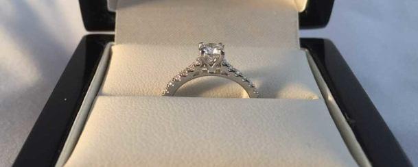 wedding-ring-depth-diamonds