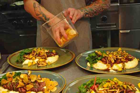 plating restaurant food