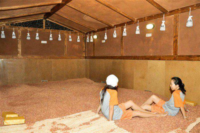 women in korean sauna