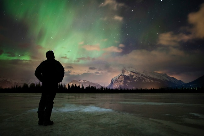 7 Alternatives to Downhill Skiing in Alberta Resorts