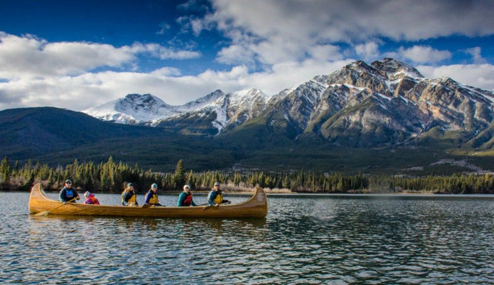 guided canoe trip