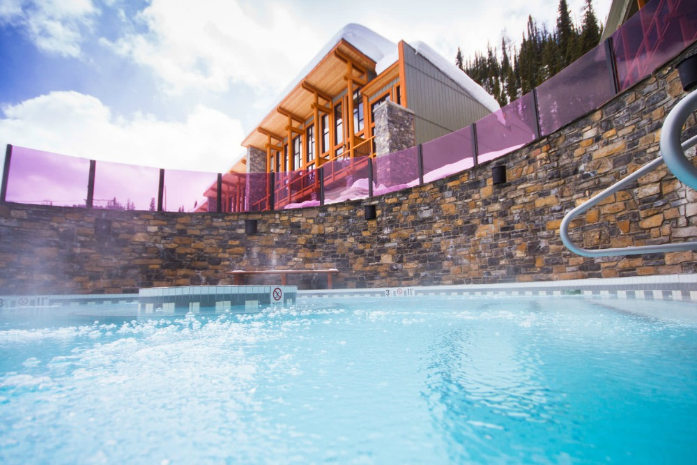 outdoor hot tub Banff