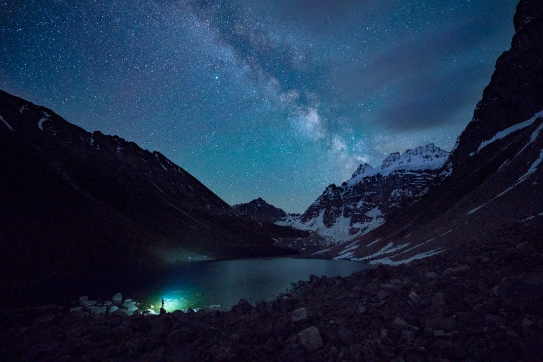 banff national park lake at night