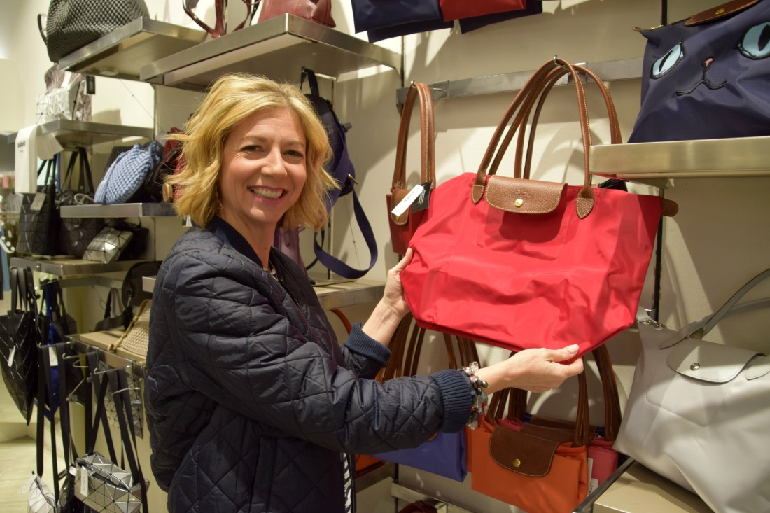 red longchamp purse