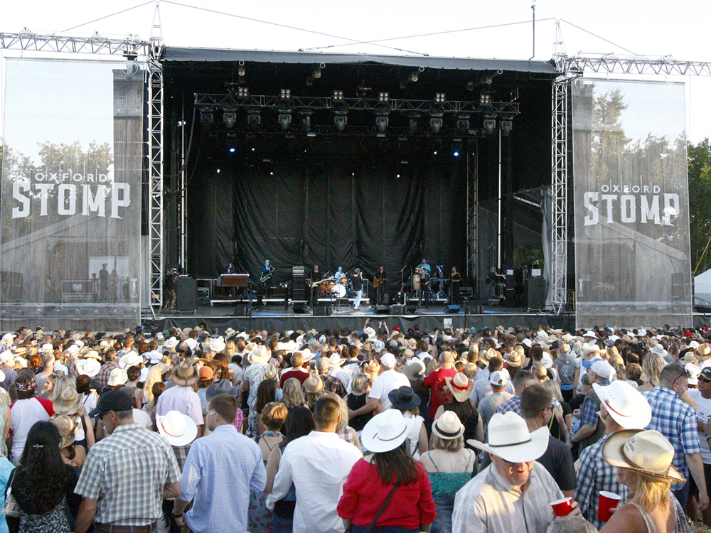 Giveaway Win Tickets To The Oxford Stomp During The
