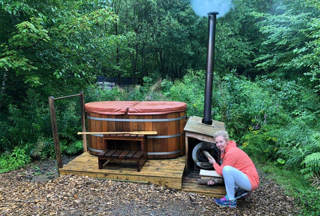 ridgeback lodge hot tub