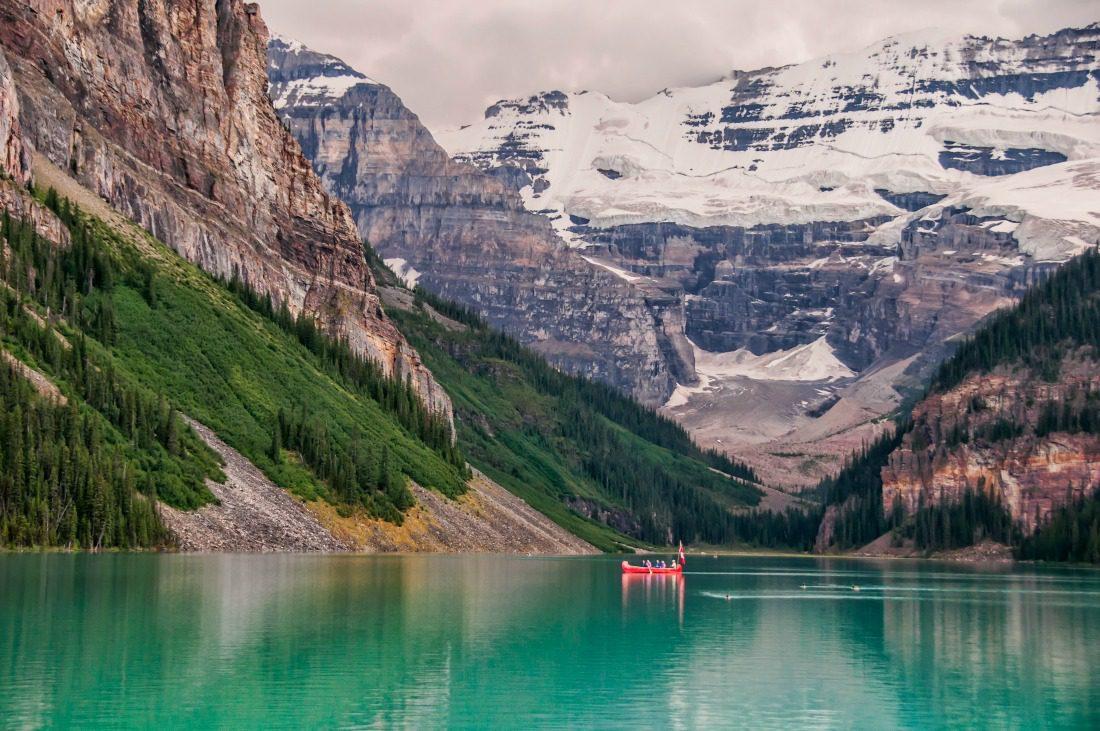 canoe lake louise summer