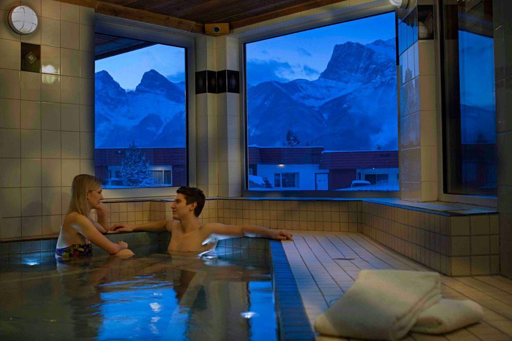 ski lodge canmore