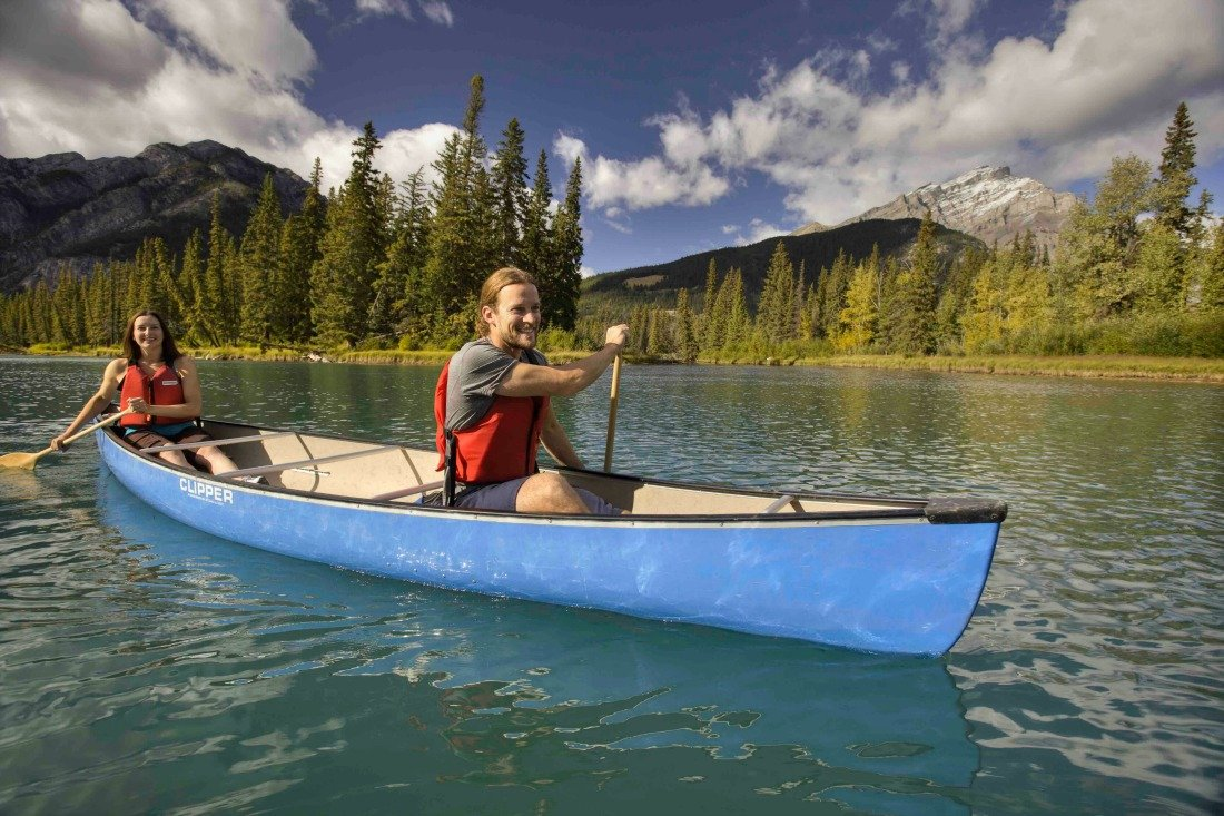 canoeing in banff