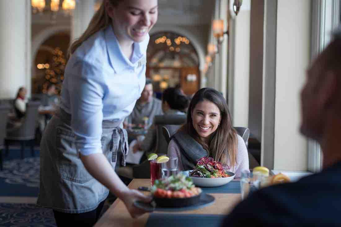 Fairmont Chateau Lake Louise Restaurants