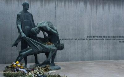 Slachtoffermonument, Concentratiekamp Sachsenhausen, Sachsenhausen, Duitsland, 18-5-2016