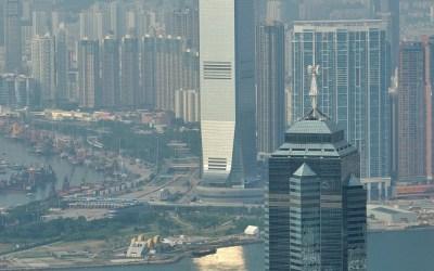 Hong Kong, uitzicht richting Victoria Harbor en Kowloon op het vaste land