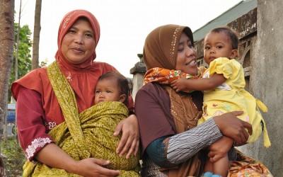 Trotse moeders, Sembalun, Lombok, Indonesië, 2012