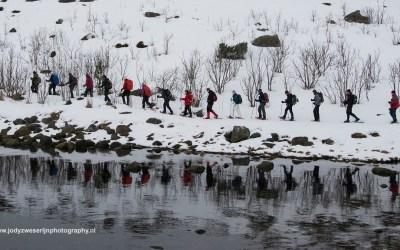 Sneeuwwandelen bij Kabelvag, Lofoten, Noorwegen, 7-3-2016