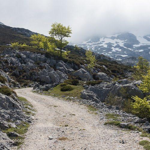 Uitzicht op Picos de Macondiu, Picos de Europa, Spanje, 20-5-2018