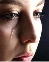lagrimas-que-desechas-cuando-lloras-300x380