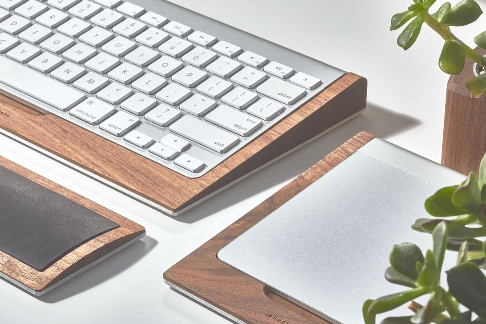 grovemade-walnut-desk-collection-keyboard-galb-C1_1200x1200_90