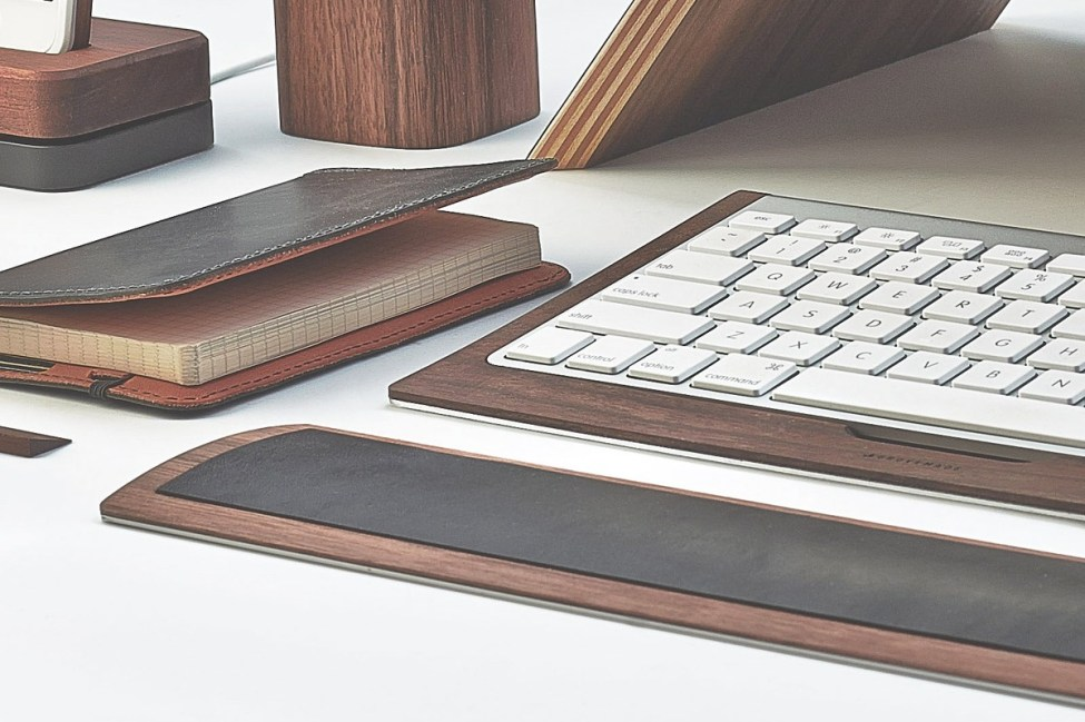 grovemade-walnut-desk-collection-wrist-pad-galb-B2_1200x1200_90