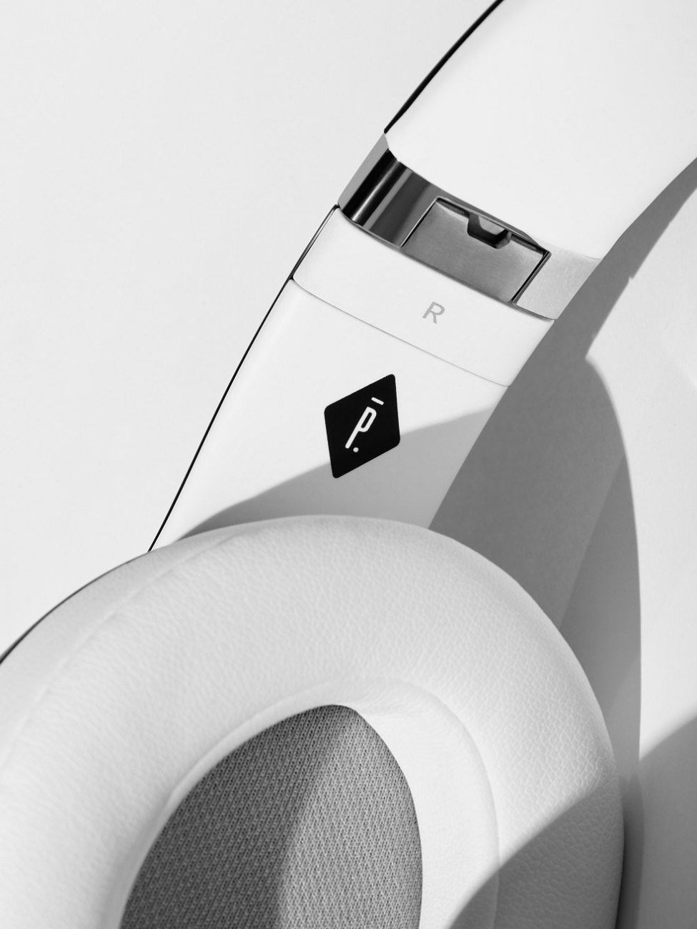 Pigalle-x-Beats-by-Dre-Studio-Wireless-Headphone-5