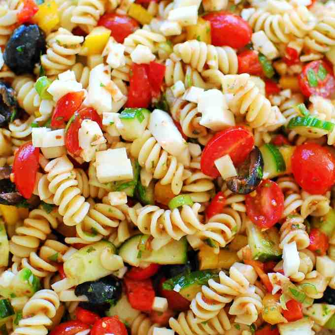 Cold Pasta Salad. Delicious low calorie salad that is perfect for a crowd or summer potluck. | joeshealthymeals.com