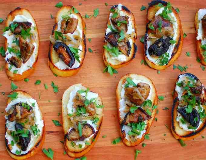 mushroom crostini  fromage fort | joeshealthymeals.com