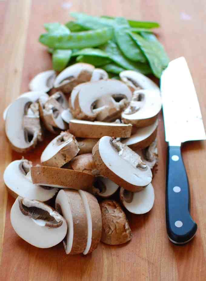 chopped mushrooms | joeshealthymeals.com