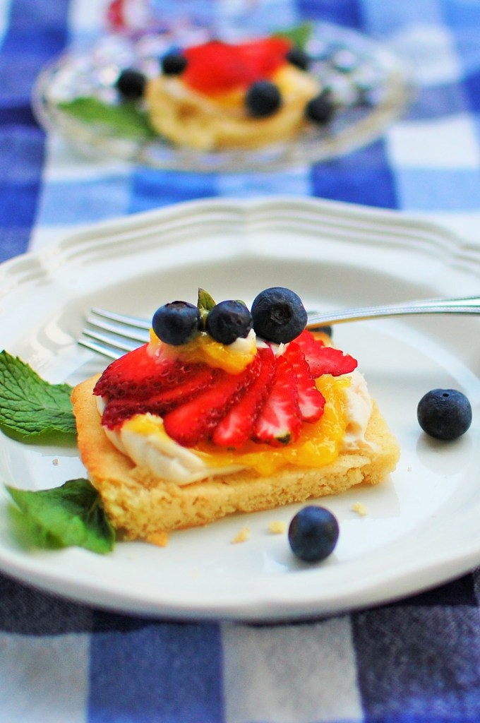 Red, White and Blue Cookie Bars. Simple but deliciously tangy and sweet. | joeshealthymeals.com