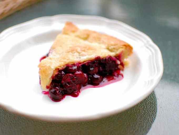 yummy blueberry pie