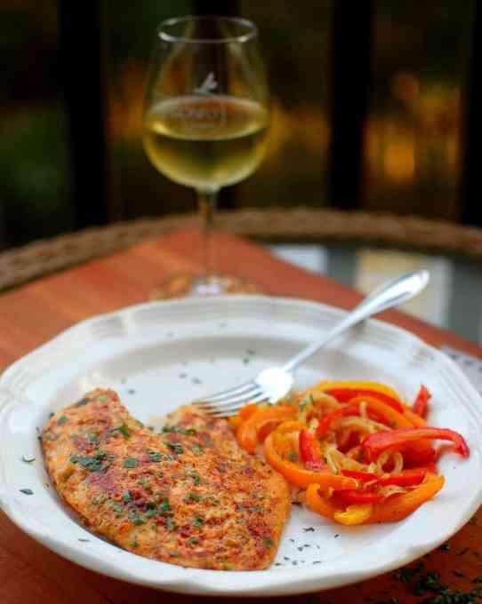 Baked Tilapia Parmesan | joeshealthymeals.com