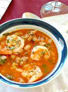 Shrimp and Sausage Stew - this recipe is awesome! You will want to make this often. | joeshealthymeals.com
