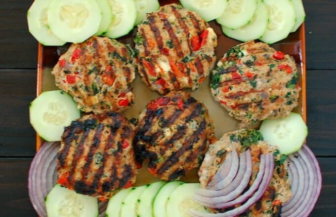 Grilled Greek style turkey burgers. Moist and tasty. This healthy recipe rocks. | joeshealthymeals.com