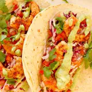 Awesome spicy grilled shrimp tacos. Perfectly yummy seasonings make this a go-to recipe for grilled shrimp. These taste Awesome! | joehealthymeals.com