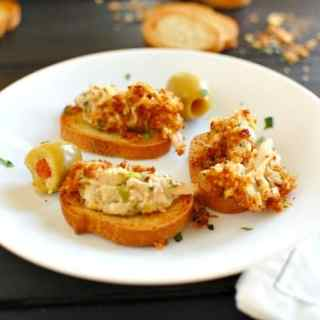 Crab dip recipe. Easy to make and delicious to eat. Packed with crab meat. | joeshealthymeals.com
