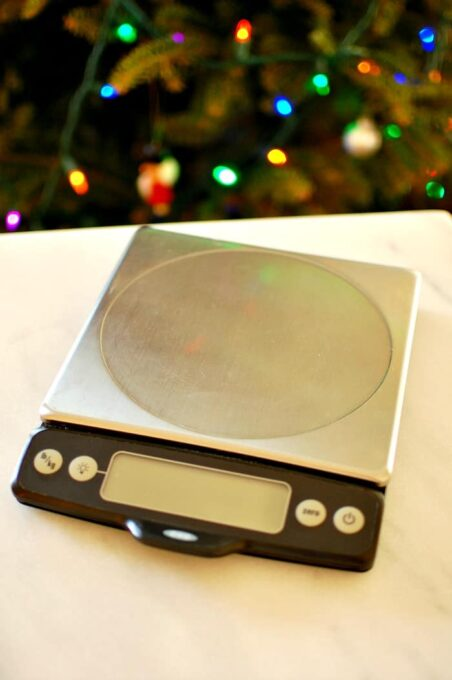 OXO kitchen scale. Measures in ounces or grams. I use mine all the time. | joeshealthymeals.com