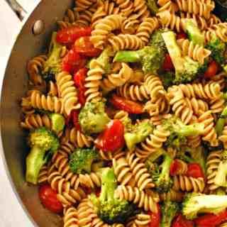 Tomato broccoli pesto pasta.