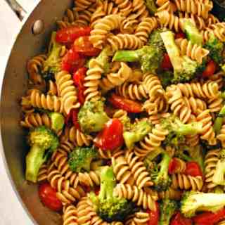 Tomato broccoli pesto pasta.