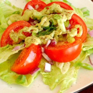 Avocado salad dressing. | joeshealthymeals.com