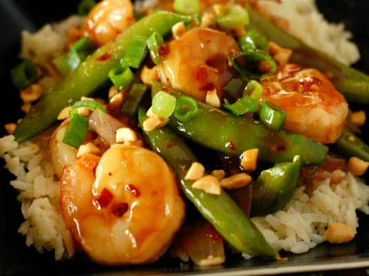 Spicy shrimp stir fry. This is such a good recipe. You and your mouth deserve this! Now! | joeshealthymeals.com