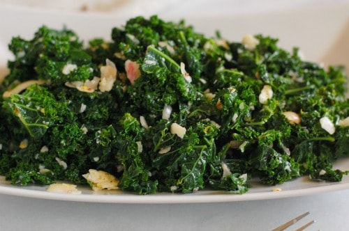 Curly kale salad. Nutritious and a substantial side dish recipe. | joeshealthymeals.com