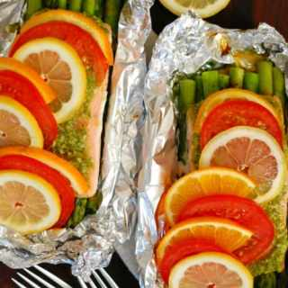 Pesto Salmon with Asparagus in Foil