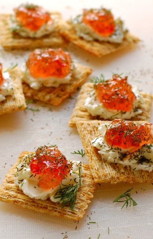 Pepper jelly cream cheese appetizer. Super easy to make and so delicious to eat. Everyone loves these! | joeshealthymeals.com