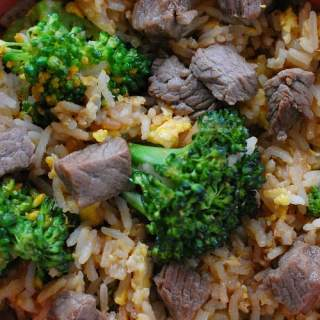 Beef fried rice recipe. Deliciously satisfying recipe for classic beef fried rice. | joeshealthymeals.com