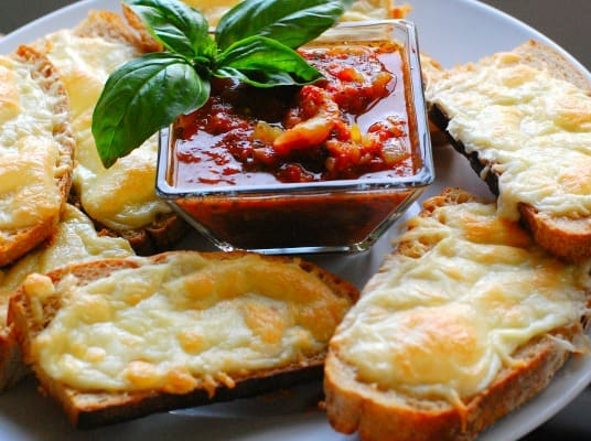 Italian dunkers with red sauce. Easy meal for a busy family. Serve it with some fruit on the side. | joeshealthymeals.com