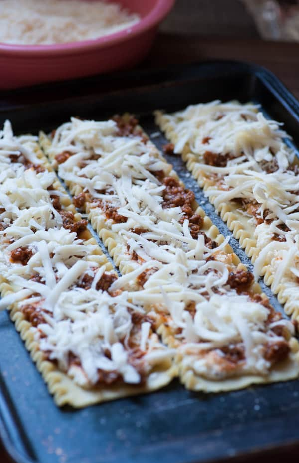 Italian sausage lasagna roll ups. Wonderfully delicious! | joeshealthymeals.com
