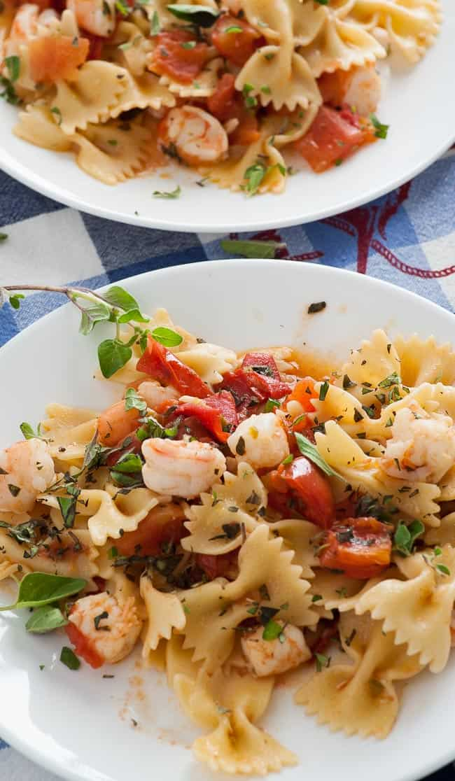 Pasta, roma tomatoes and shrimp sauce. A wonderful meld of flavors produced using fresh ingredients. | joeshealthymeals.com