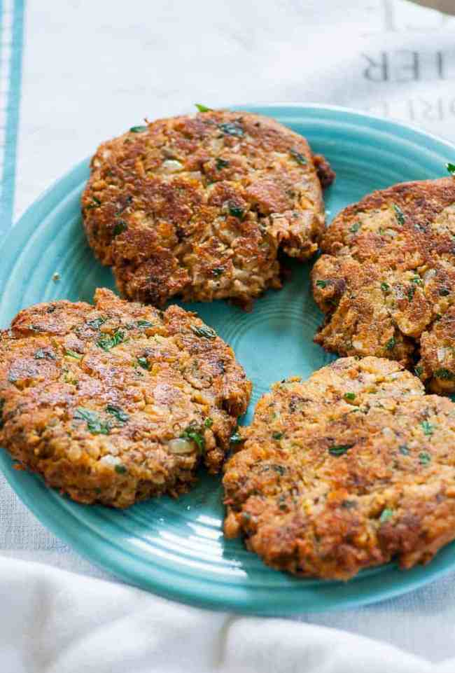 Salmon patties are easy, inexpensive and taste so good. | joeshealthymeals.com