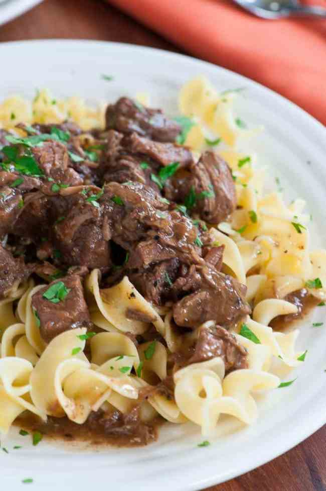 Succulent beef tips gravy on egg noodles are perfect for a nice fall meal. | joeshealthymeals.com