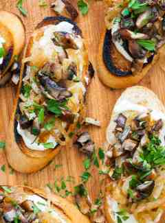 Caramelized onion crostini with mushrooms. Another great appetizer idea. | joeshealthymeals.com