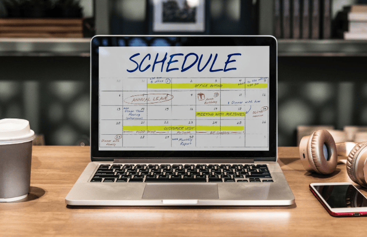 schedule arrangement on a laptop