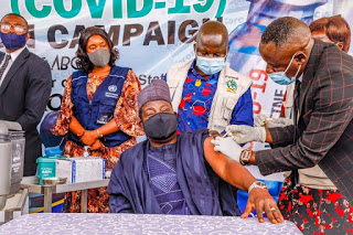 Governor Lalong Receiving Covid19 Vaccine
